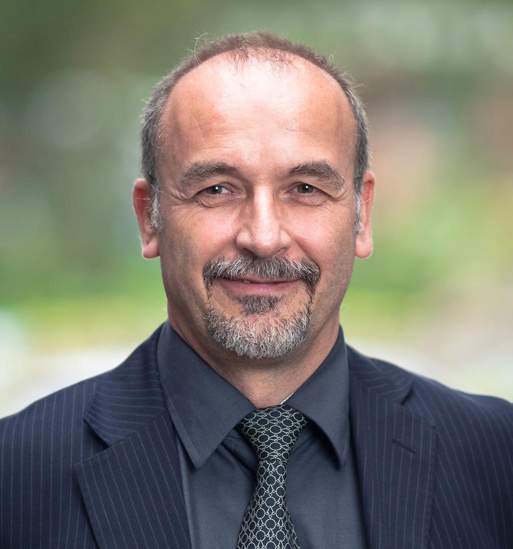 Dr. Serge Borgis